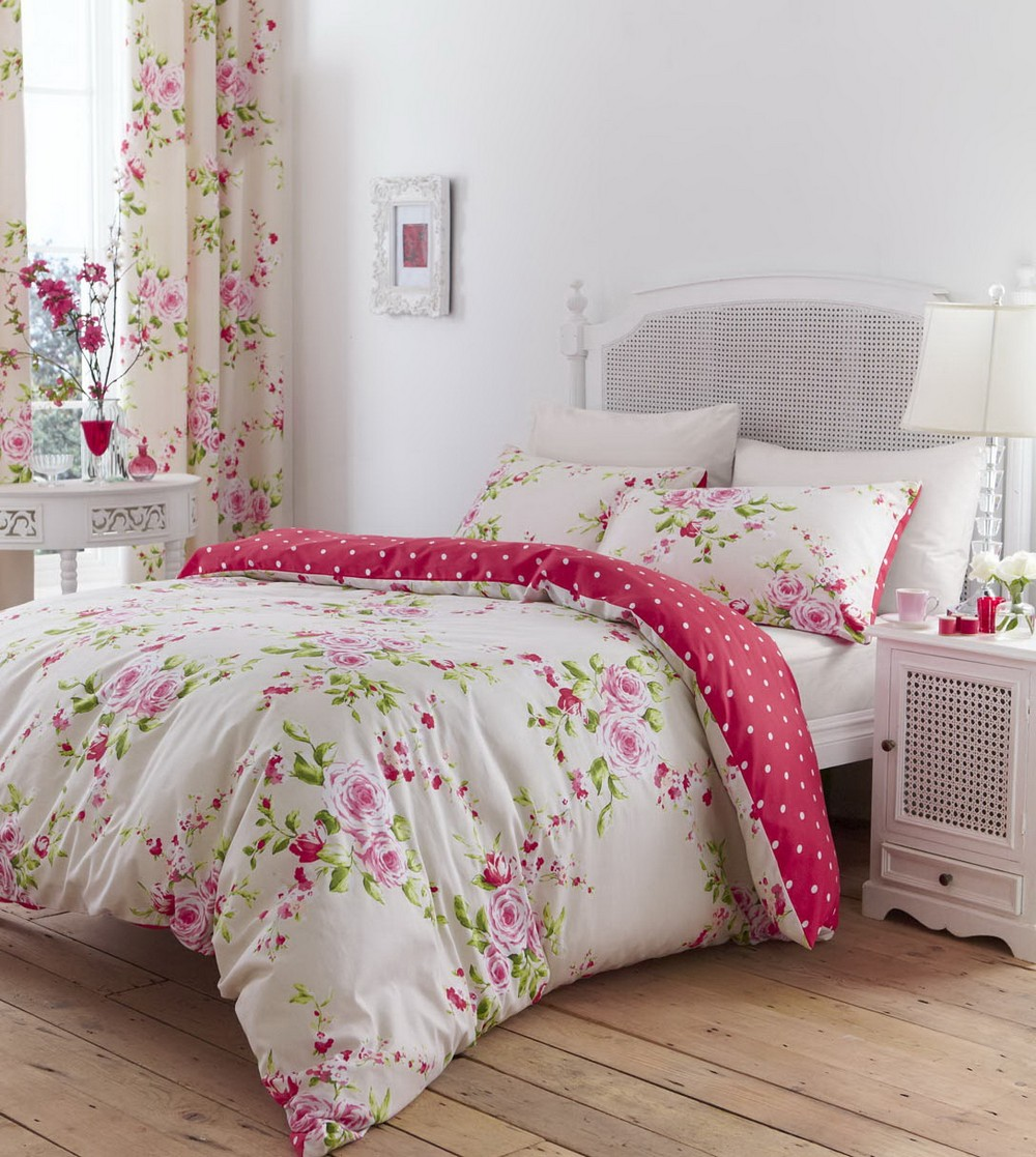 Floral bed linen in single double kingsize flowery for Housse de couette lit king size